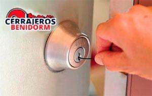 apertura_puerta_ganzuado_benidorm_alicante
