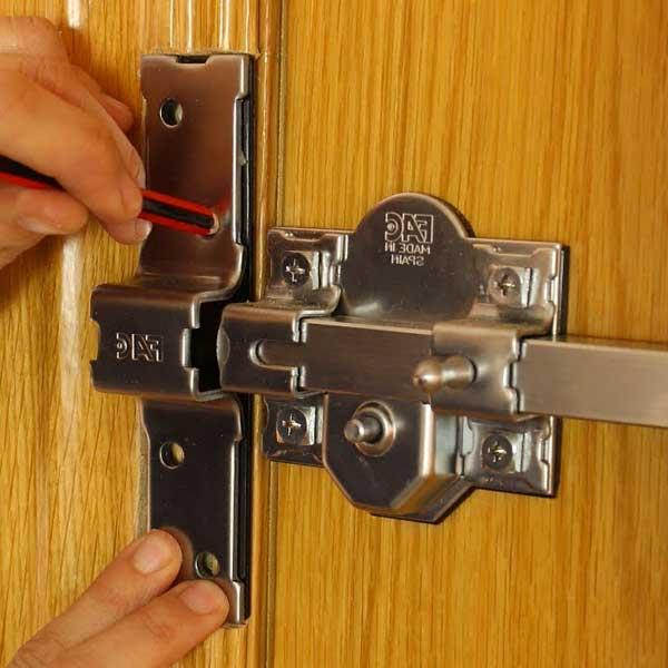 Instalación de cerrojos de seguridad en Benidorm