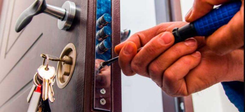 Situaciones que requieren llamar a cerrajeros de urgencia en Benidorm